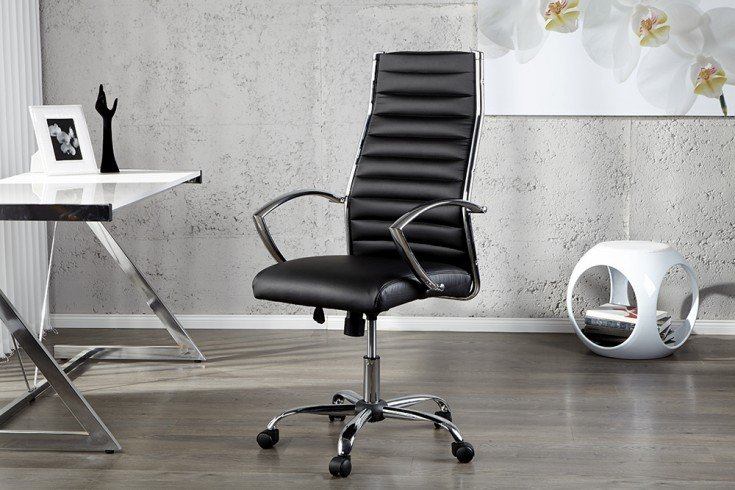 b rostuhl schwarz r ckenschonend und mit bequemer armlehne ausgesattet riess. Black Bedroom Furniture Sets. Home Design Ideas