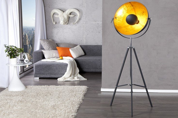 moderne design stehlampe studio 160 cm schwarz gold lampe blattgold optik riess ambiente. Black Bedroom Furniture Sets. Home Design Ideas