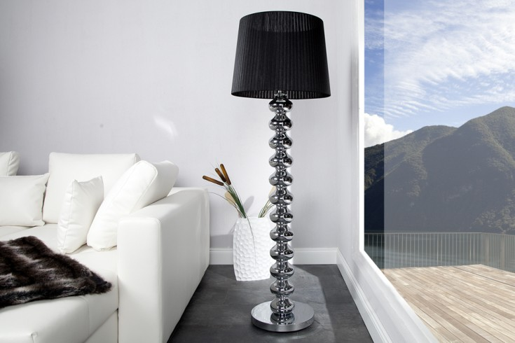 Elegante Design Stehlampe MIA mit schwarzem Schirm