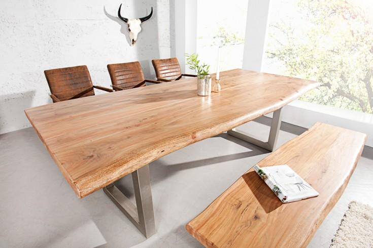Massiver Baumstamm Tisch MAMMUT  240cm Akazie Massivholz Industrial Chic  Kufengestell Edelstahl matt mit 6cm dicken Tischplatte