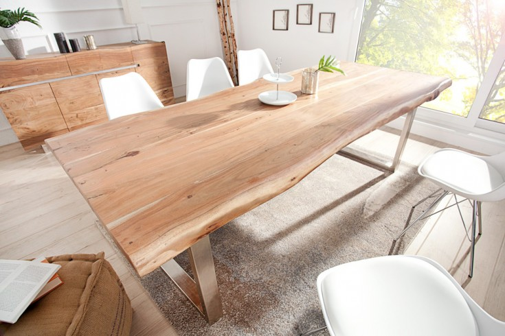 Massiver Baumstamm Tisch MAMMUT 240cm Akazie Massivholz Industrial Look 8x4 cm Kufengestell mit 6cm Tischplatte