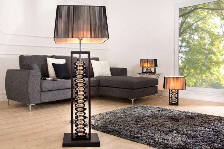 moderne stehlampe mit schwarzem schirm riess. Black Bedroom Furniture Sets. Home Design Ideas