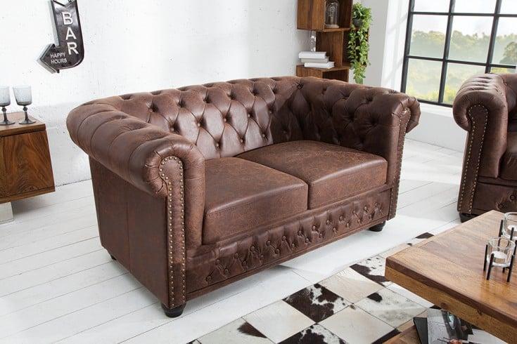 Chesterfield 2er Sofa 150cm vintage braun mit Knopfheftung und Federkern