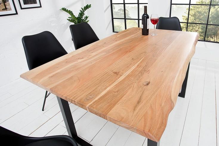 Massiver Baumstamm Tisch Mammut 140cm Massivholz Akazie industrial Kufengestell mit 2,6cm dicker Tischplatte