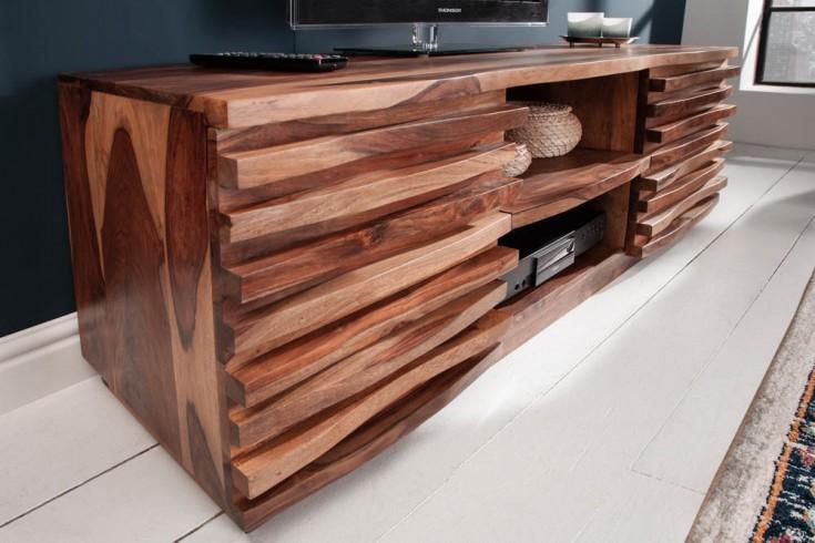 Massives TV-Lowboard RELIEF 150cm Sheesham Holz mit aufwändiger Front