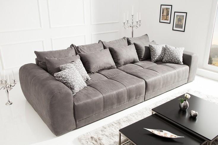 Außergewöhnliches XXL Sofa GIANT LOUNGE dunkelgrau inkl. Kissen