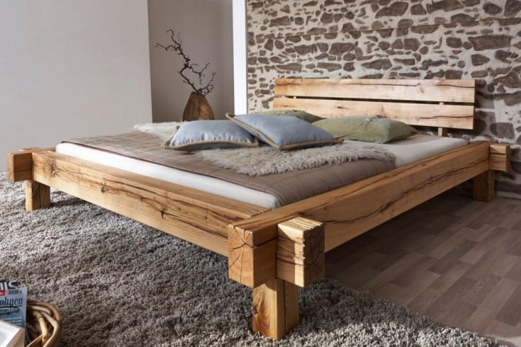 Massives Holz Bett THOR II 180x200cm Wildeiche geölt Balken Bett
