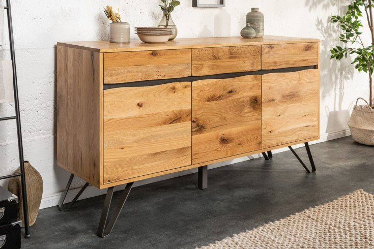 Massives Sideboard LIVING EDGE 160cm Wildeiche geölt Baumkanten Board