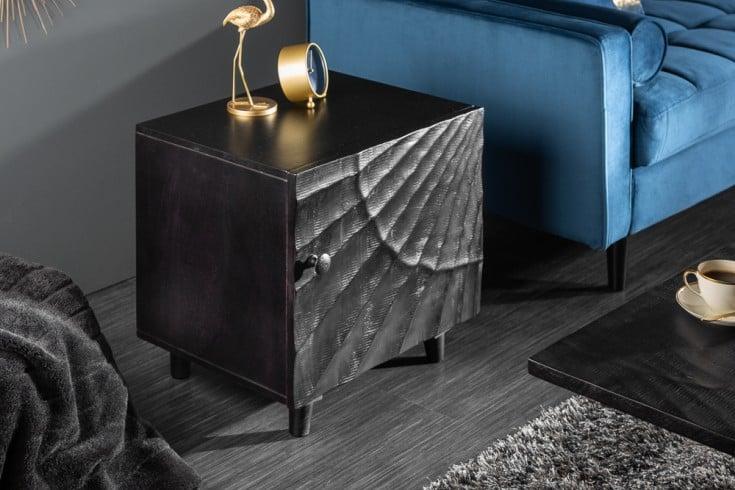Massiver Nachttisch SCORPION 50cm schwarz Mangoholz Beistelltisch mit 3D Schnitzereien