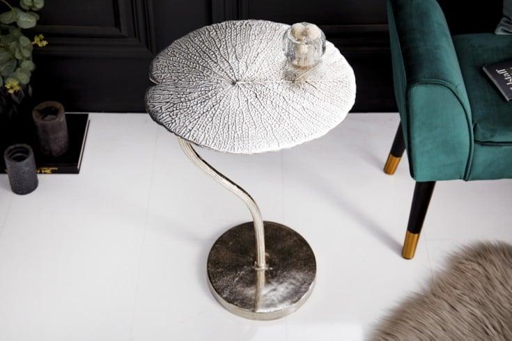 Handgearbeiteter Beistelltisch LEAF 40cm silber im filigranen Blatt Design