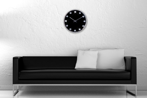Extravagante Wanduhr CRYSTAL TIME schwarz mit Kristallen