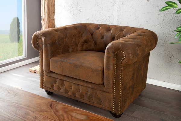 Edler Chesterfield Sessel im Antik Look