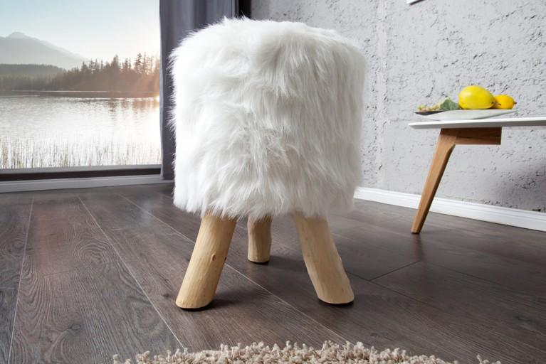 Design Fellhocker SIT Sitzhocker mit weißem Fell und Teakholz rund