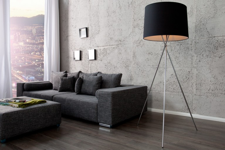 Elegante Design Stehlampe CLASSIQUE 175cm schwarz mit drei Beinen Chrom Stehleuchte
