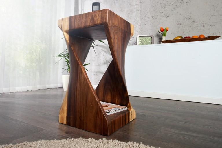 Aufwendig handgeschnitzter massiver Soar Holz Beistelltisch TRINIDAD 60cm Sitzhocker aus Bali einzigartige Maserung