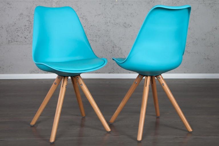 Retro Designklassiker Stuhl SCANIA MEISTERSTÜCK hellblau mit Stuhlbeinen aus Eiche