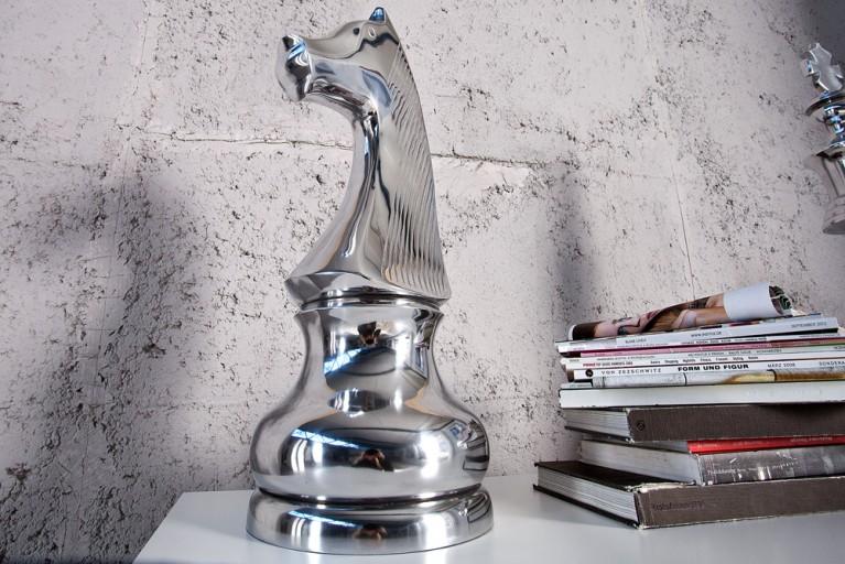 Große Design Deko Schachfigur SPRINGER 60cm Alu poliert Dekofigur Pferd Buchstütze