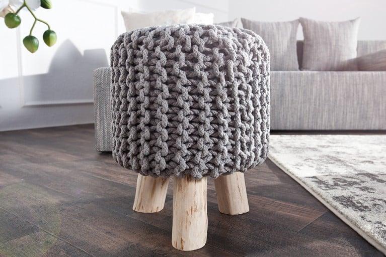 Design Sitzhocker LEEDS aus Strick grau 45cm mit Holzfüßen Baumwolle in Handarbeit