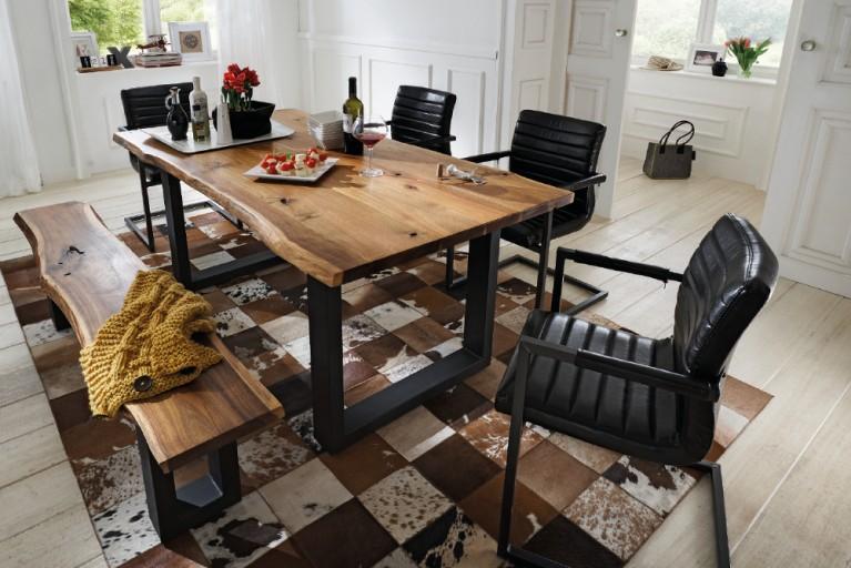 Massiver Baumstamm Tisch QUEENS 180cm Akazie lackiert mit Kufengestell aus Eisen