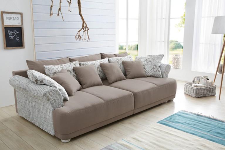 Design Big Sofa PROVENCE  Landhauslook mit Vintagecharakter große Sitzfläche Armlehnen aus Rattan