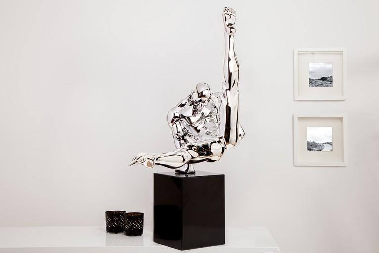 Design Statue ATHLET II 70 cm silber Turner Dekofigur Handarbeit