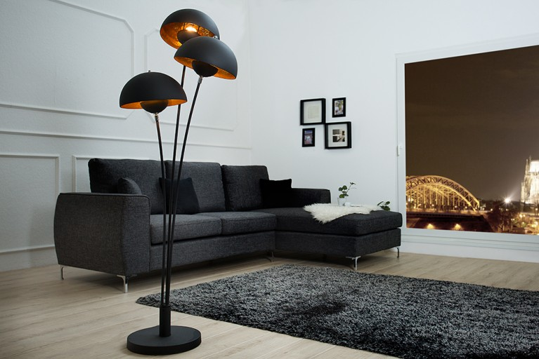 moderne design stehlampe magma 170cm schwarz gold lampe mit blattgold riess. Black Bedroom Furniture Sets. Home Design Ideas