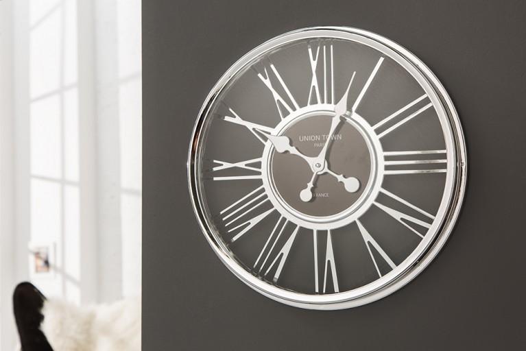 Hochwertige ART DECO Wanduhr im außergewöhnlichem Design chrom