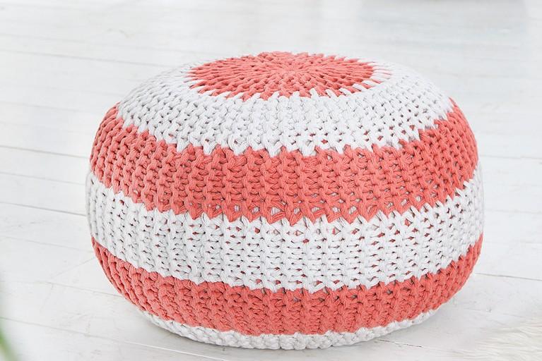 Design Strick Pouf LEEDS koralle weiß 50cm Hocker Baumwolle in Handarbeit Sitzkissen Two-Tone