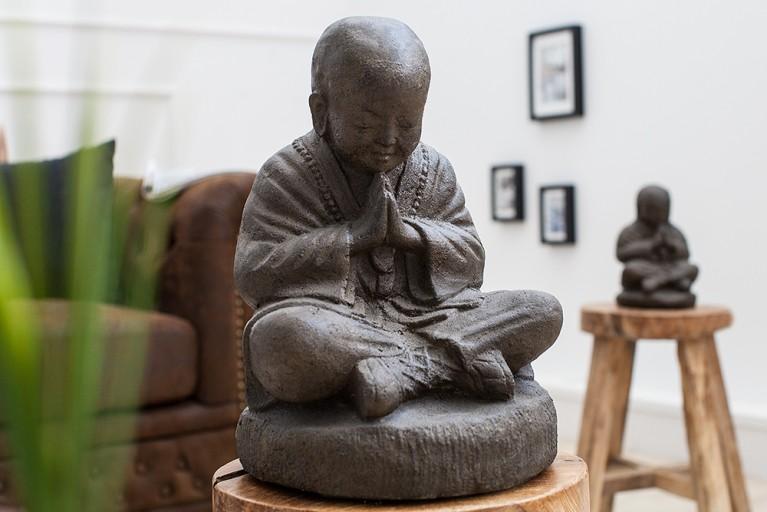 Opulente SHAOLIN BUDDHA Statue 25 cm aus Naturgestein