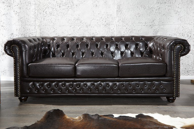 Edles Chesterfield 3er Sofa dark coffee m. Nietenbesatz