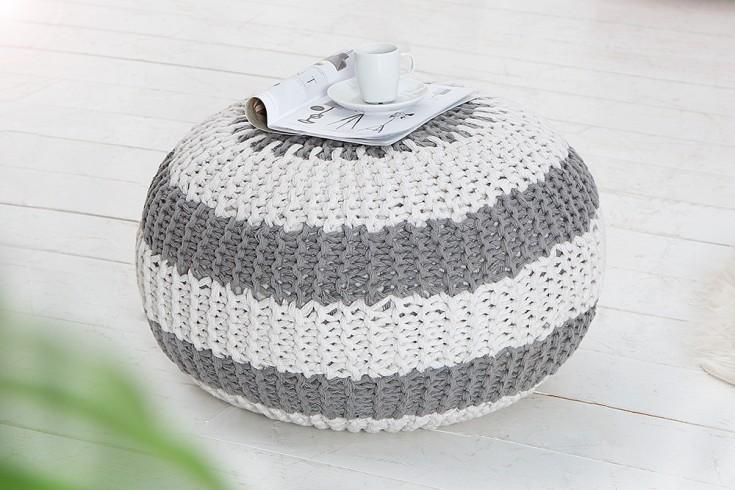 design strick pouf leeds 50cm grau wei hocker baumwolle in handarbeit sitzkissen two tone. Black Bedroom Furniture Sets. Home Design Ideas