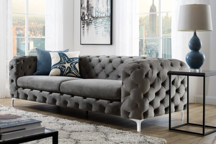extravagantes samt sofa modern barock grau 3 sitzer chesterfield design riess. Black Bedroom Furniture Sets. Home Design Ideas