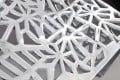 Stylischer Couchtisch ABSTRACT 75cm Alu silberfarbig im Gap Design