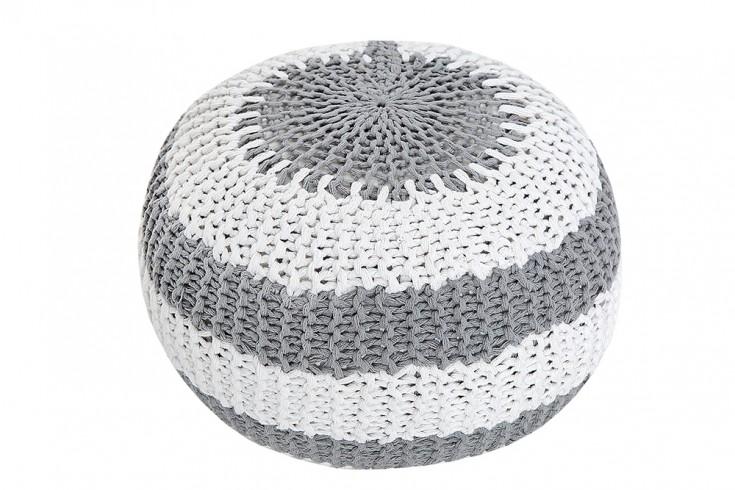 design strick pouf leeds 50cm grau wei hocker baumwolle. Black Bedroom Furniture Sets. Home Design Ideas