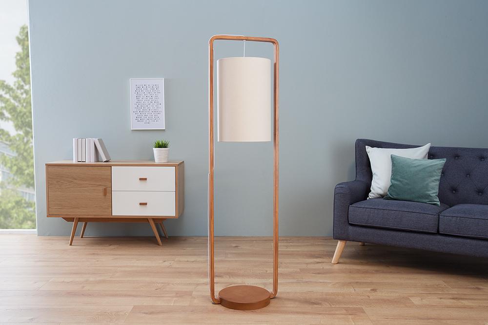 Helle Stehlampe Dekoration : Lampenschirm stehlampe eine wertvolle deko fürs interieur